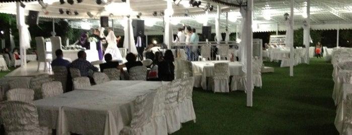 Deda Düğün Salonları is one of Lugares favoritos de Cem Yılmaz.