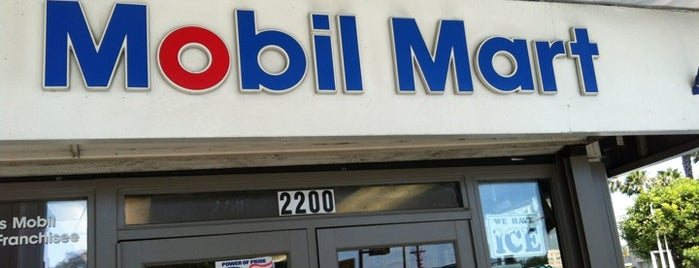 Mobil is one of Locais curtidos por Dan.