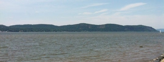 Kingsland Point Park is one of All Along The Hudson.