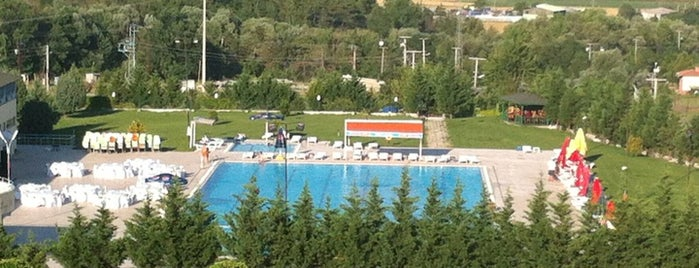 Ezgi Resort Hotel is one of Posti che sono piaciuti a Volkan.