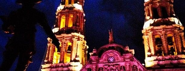 Catedral de la Santa Cruz de Chihuahua is one of Gespeicherte Orte von Juan.