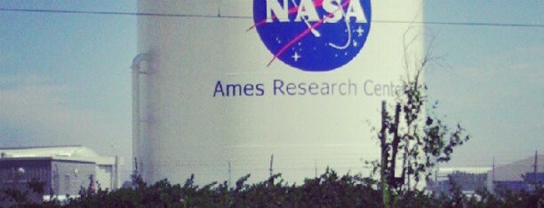 NASA Ames Research Center is one of Tempat yang Disukai Alberto J S.