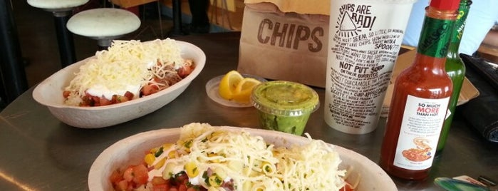 Chipotle Mexican Grill is one of Lugares favoritos de Marcus.
