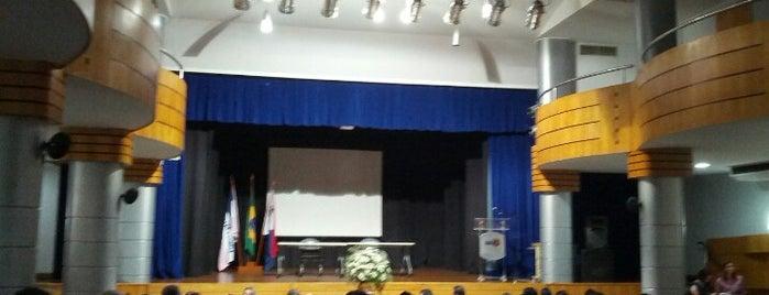 Cineteatro is one of Lugares ES.