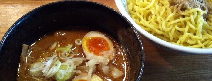 つけ麺屋やすべえ is one of devichancéさんのお気に入りスポット.