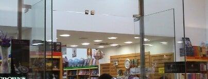 Nobel Mega Store is one of Locais curtidos por Naldina.