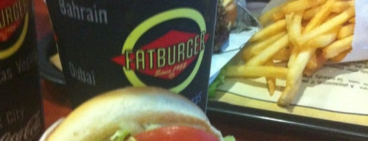 Fatburger is one of Lugares favoritos de Louis.