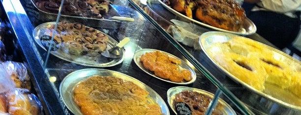WheatFields Eatery & Bakery is one of Tempat yang Disimpan Jeff.