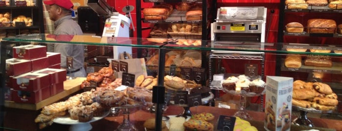 Panera Bread is one of Tempat yang Disukai Alan.