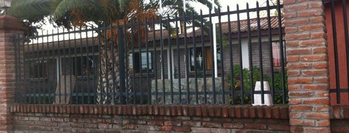 Colegio Santa Cruz de Unco is one of Orte, die Andres gefallen.