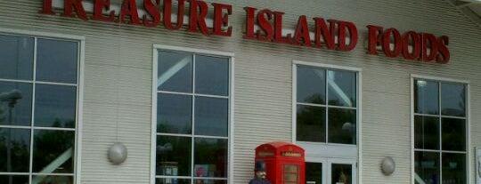 Treasure Island Foods is one of Orte, die Tracy gefallen.