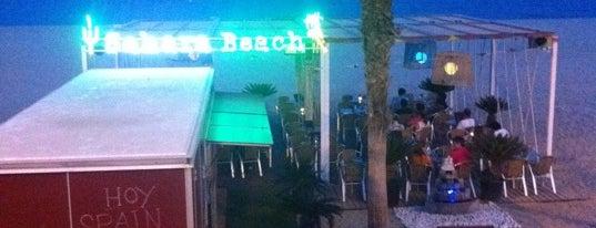 Sahara Beach Bar is one of chiringuitos playa barcelona.