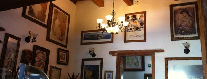 Café Carcamanes is one of Es Un Must! @ GTO.