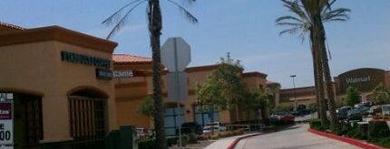 Walmart Supercenter is one of Tempat yang Disukai Donna.