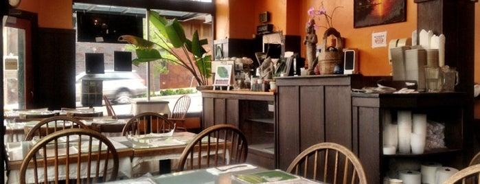 Banana Leaf Cafe is one of Lugares favoritos de CB.
