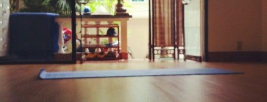 Sivananda Yoga Vedanta Center is one of Lily 님이 저장한 장소.