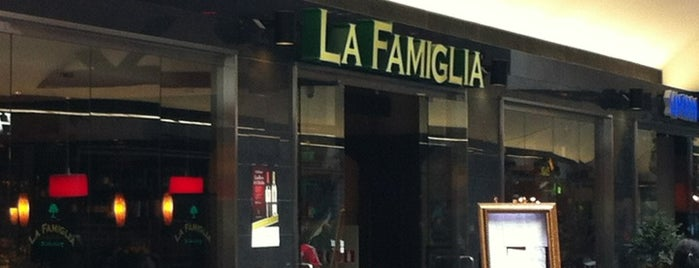 La Famiglia is one of T.さんのお気に入りスポット.