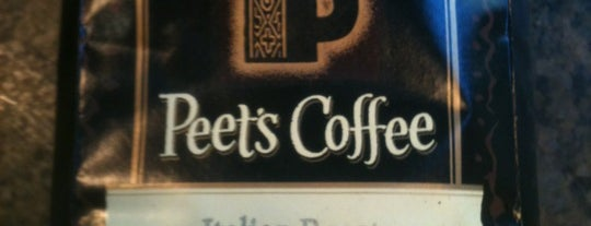 Peet's Coffee & Tea is one of Ankitさんのお気に入りスポット.