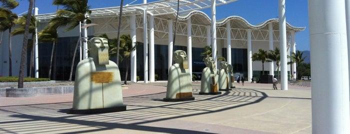 Centro Internacional de Convenciones is one of Ana : понравившиеся места.
