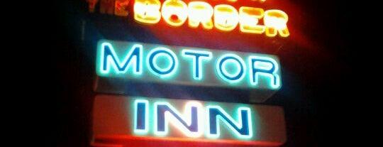 South of the Border Motor Inn is one of สถานที่ที่ David ถูกใจ.