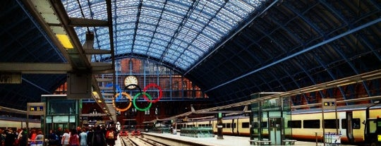 St. Pancras Uluslararası Tren İstasyonu (STP) is one of London.