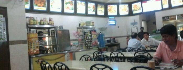 Restoran Mahkota is one of Posti che sono piaciuti a Rahmat.