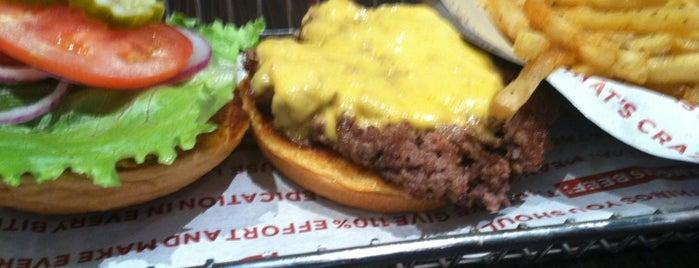 Smashburger is one of Gespeicherte Orte von Nikkia J.