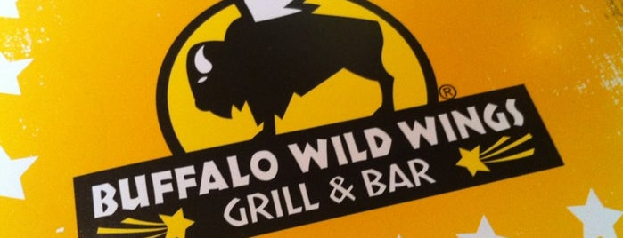 Buffalo Wild Wings is one of Landa'nın Beğendiği Mekanlar.