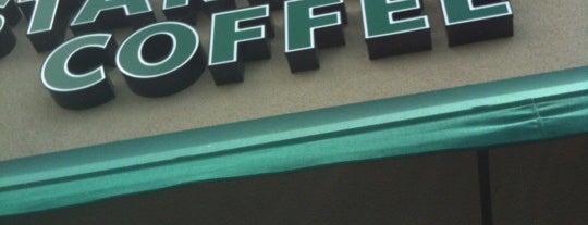 Starbucks is one of Lugares favoritos de Alec.