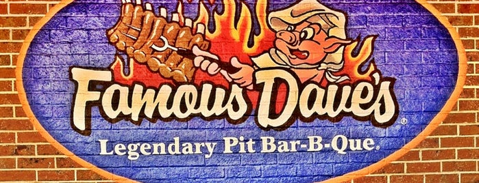 Famous Dave's Bar-B-Que is one of Jon's Liked Places.
