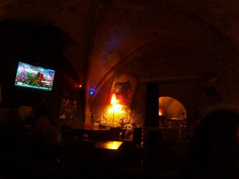 glouglou Bar a vins