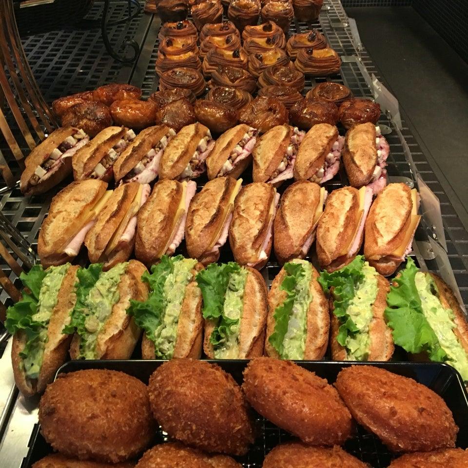 Boulangerie & Cafe gout (谷町)
