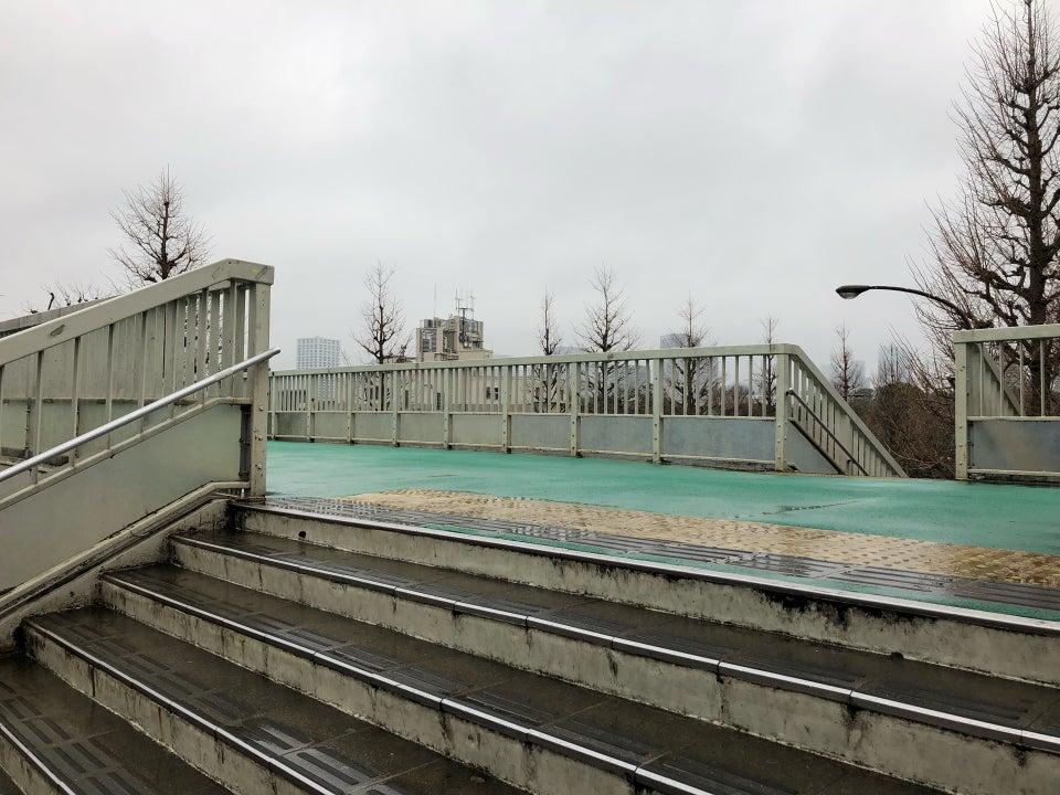 信濃町車站附近天橋