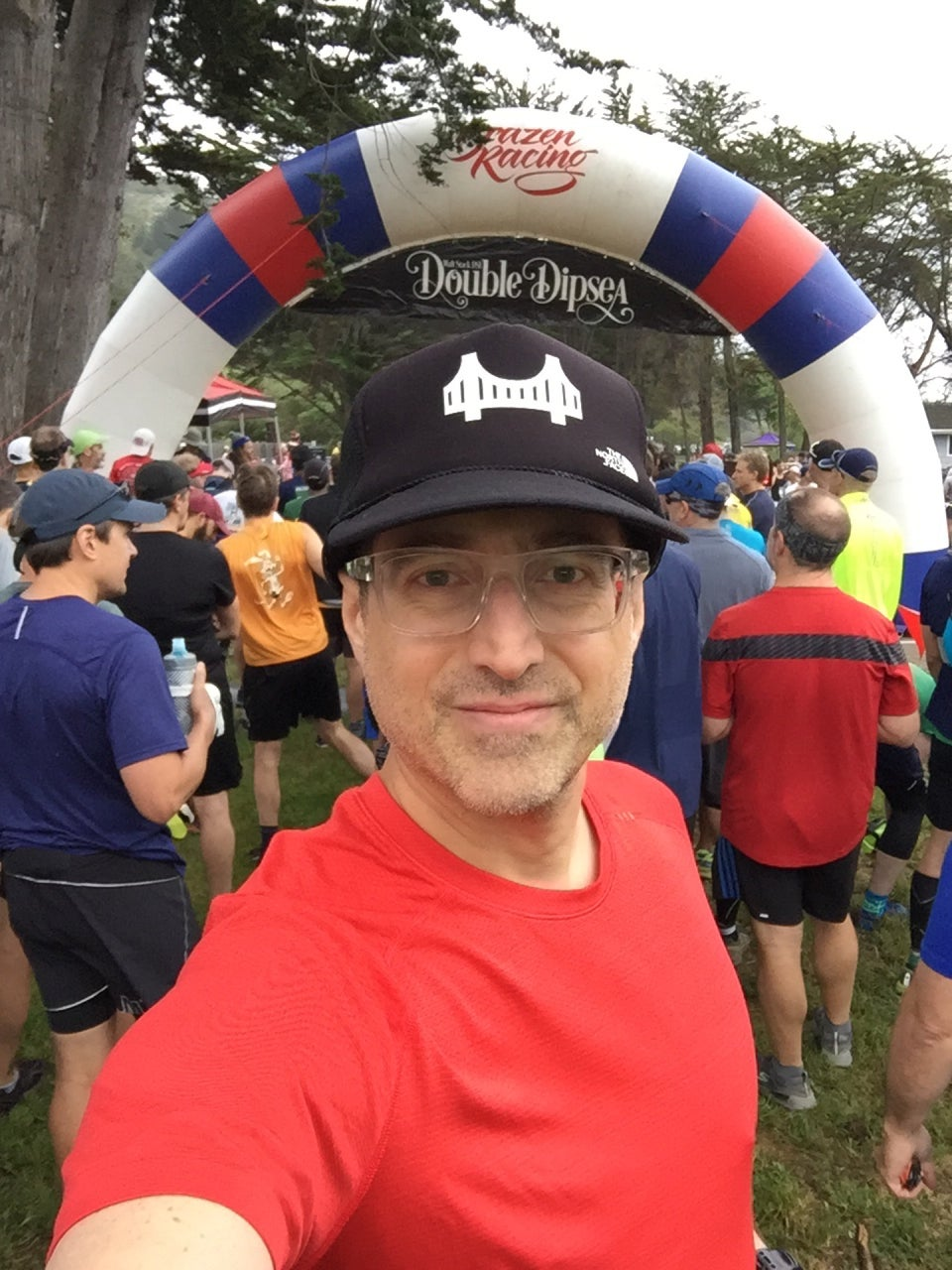 Tantek selfie behind a bunch of other guys preparing to start their wave at the Double Dipsea race