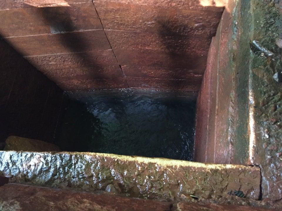 井戸に水を汲みに来た爺さんと姪、井戸に落っこちて死ぬ 福島