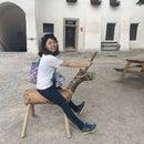 Yumin Hong